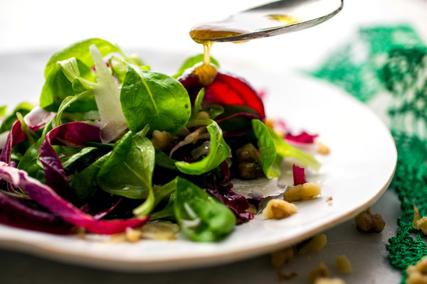 Mâche and Radicchio Salad With Beets and Walnut Vinaigrette